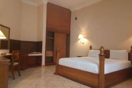 Asaa Pyramid Hotel - Ambassadorial Suite