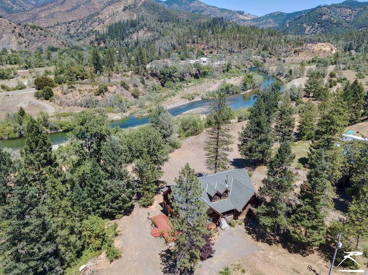 Gold Rush Cabin 5 BR & 14 Acres on The Trinity River