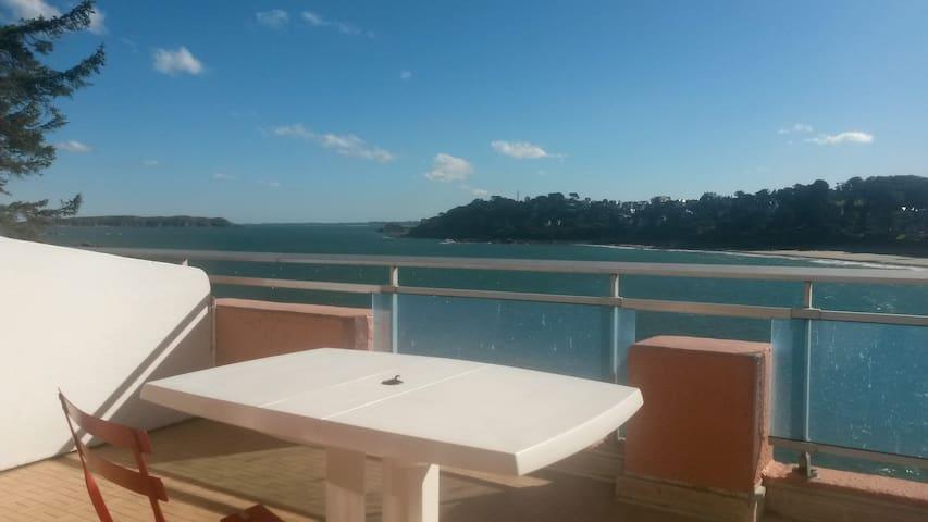 studio avec magnifique terrasse vue mer - Perros-Guirec - Apartemen