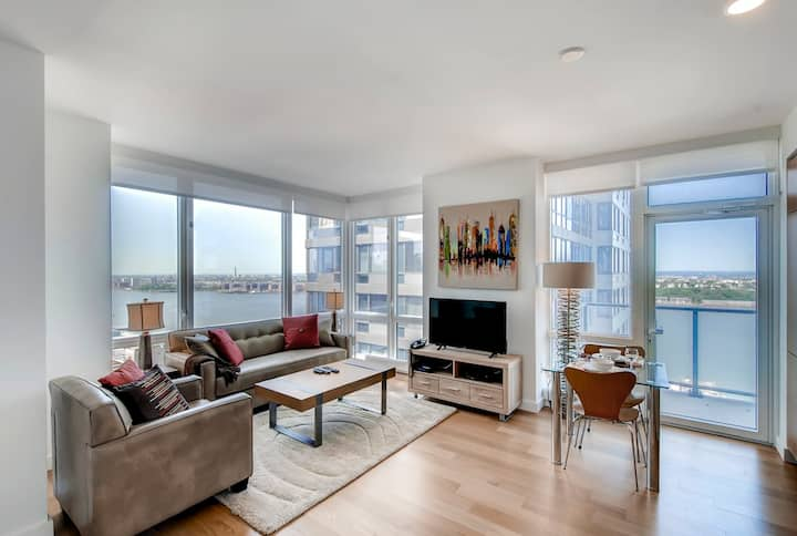 Magnificent NYC Medical 1BR Apt on the River!!