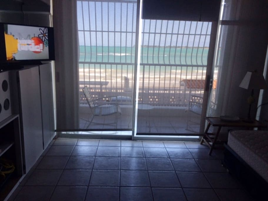 LIVING AREA BEACH VIEW  SHADES NO BLACK OUT