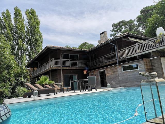 Splendide villa d'architecte à Pyla sur Mer