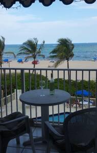 BEACHFRONT oceanfront room - Pompano Beach - Διαμέρισμα
