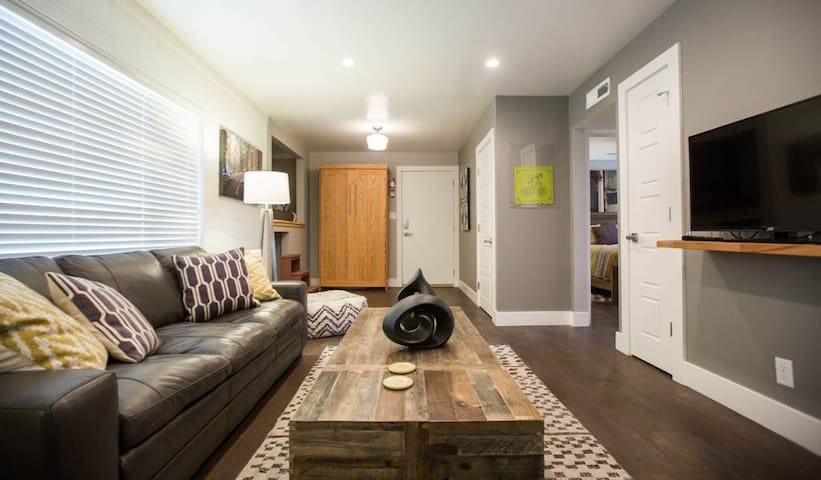 Artsy al Fresco Abode in Downtown Moab. Amenities Abound! - Moab Flats #6