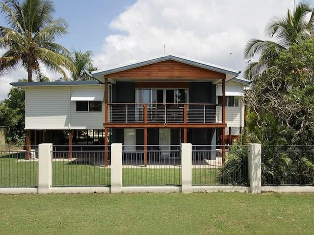 Beachside Bed - Mackay - Bed & Breakfast