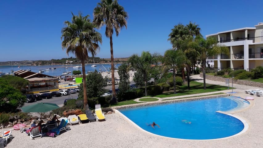 Greatly located apartment with fabulous views