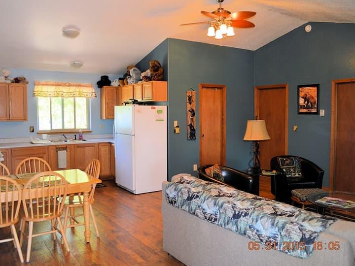 Great 2 bedroom apartment on Kasilof River