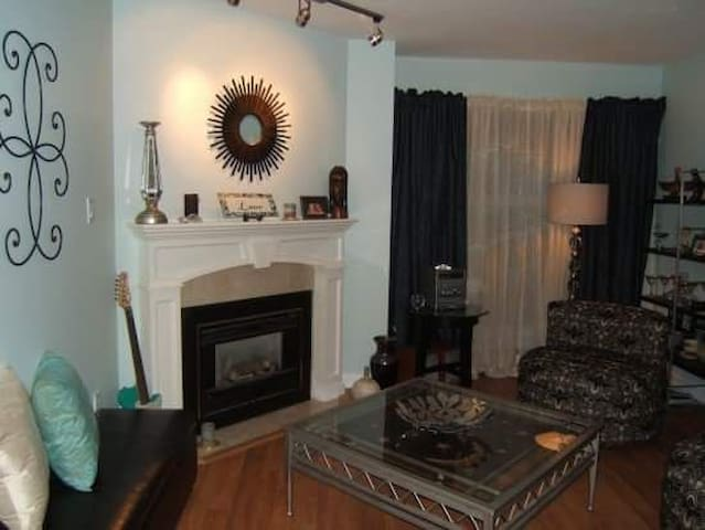 Room in heart of nature & amentites - Port Moody - Apartamento