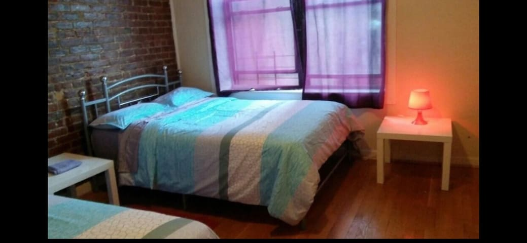 Large bedroom with 2 double beds Manhattan 184th