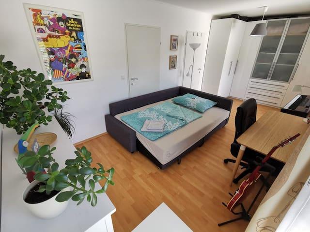 Gemütliches&helles Zimmer in modernem Reihenhaus