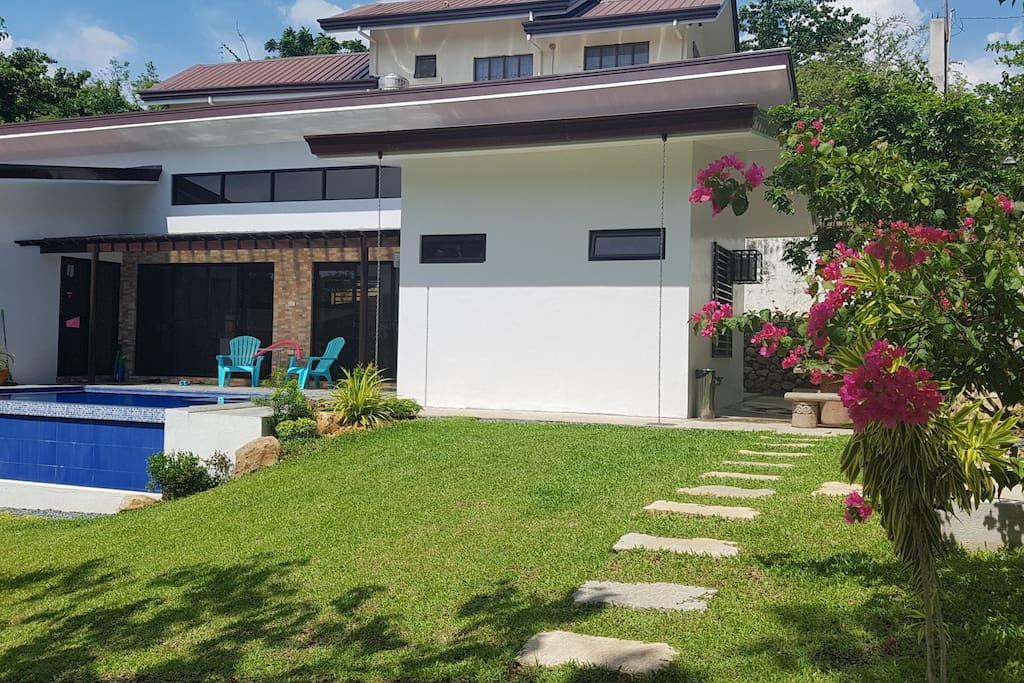 Elivino Beach House Tali Beach Nasugbu Batangas Bungalows For Rent In Nasugbu Calabarzon