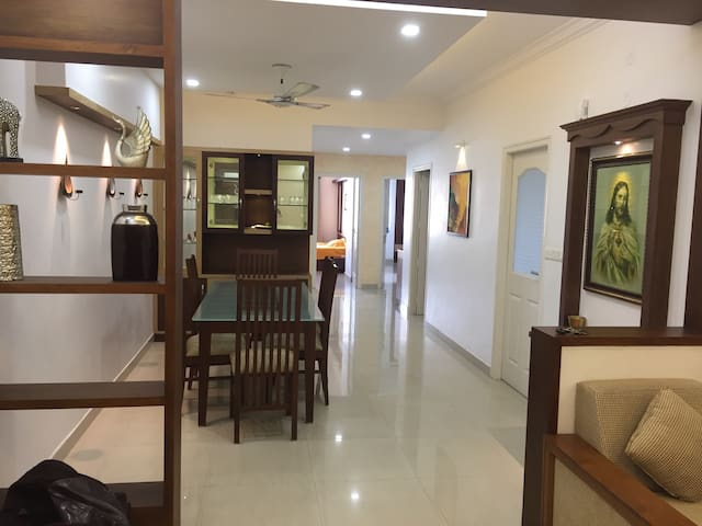 FULLY FURNISHED/3AC ROOMS APARTMENT - Kochi - Appartement