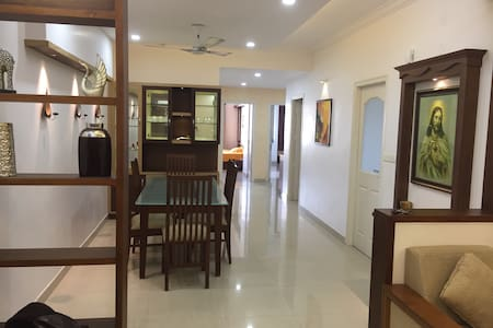 FULLY FURNISHED/3AC ROOMS APARTMENT - Kochi - Byt