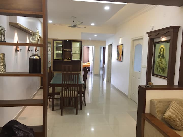 FULLY FURNISHED/3AC ROOMS APARTMENT