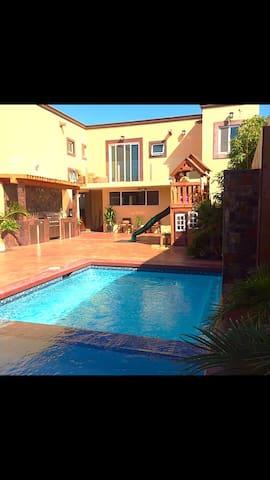 Renta habitación/hermosa Residencia - Tijuana - Huis