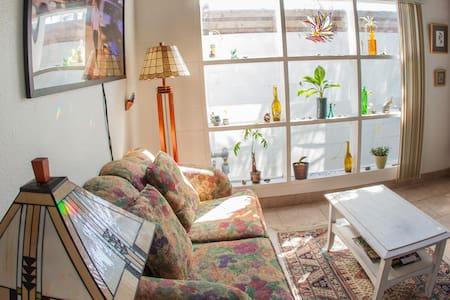 Cozy Beach Apartment - Apartment