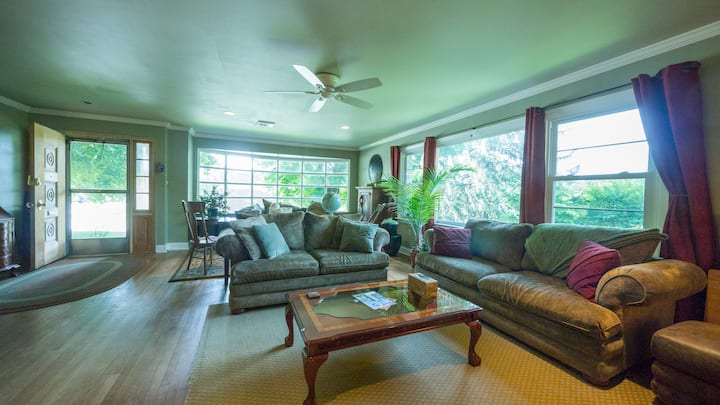 Spacious Home in Lancaster City
