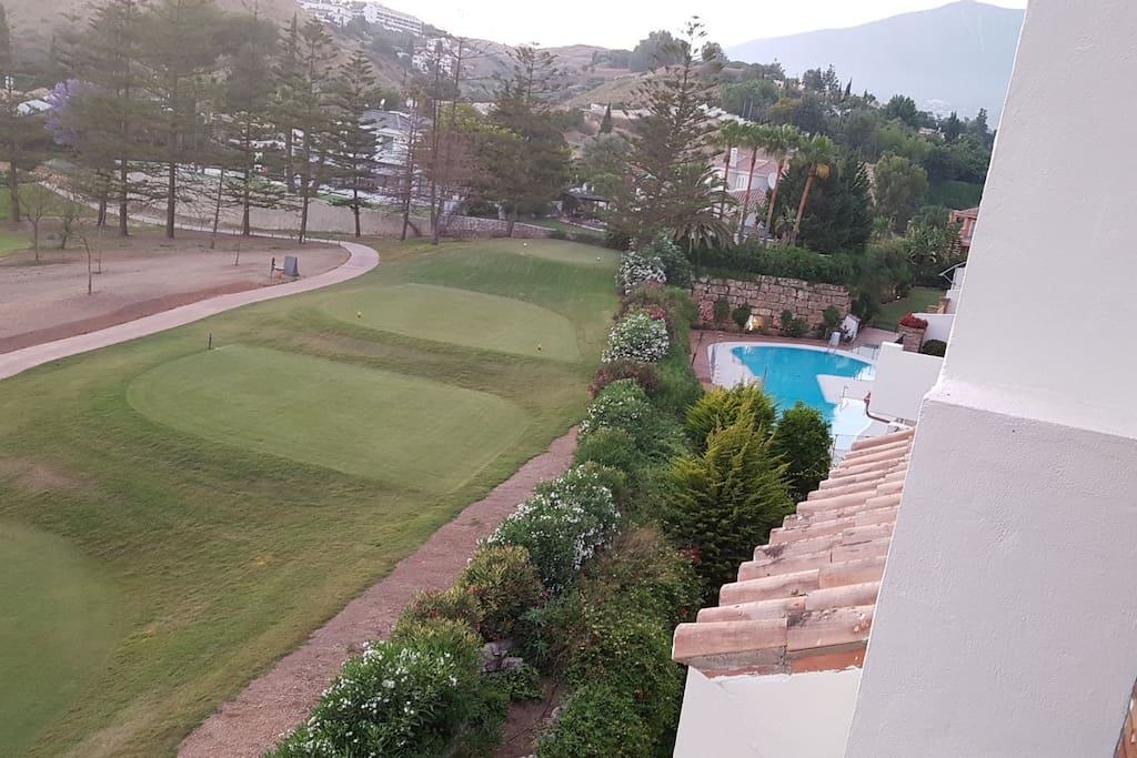 Superior 2 bed penthouse apartment 2 terraces pool in for Beds 4 u malaga