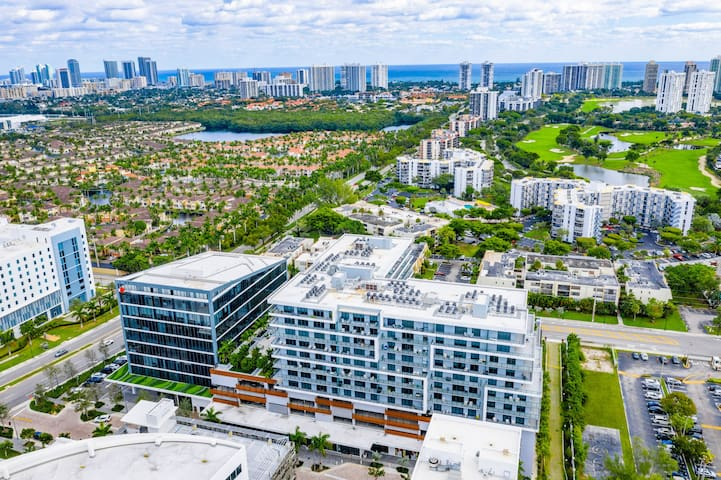 Beautiful 2 Bedrooms in the heart of Aventura