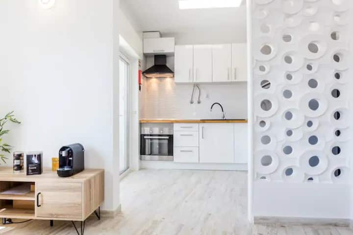 Relax in a comfortable apartment in city center