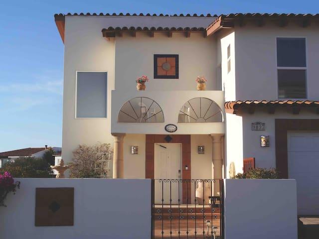Villa Santa Rosa - Bajamar oceanview home