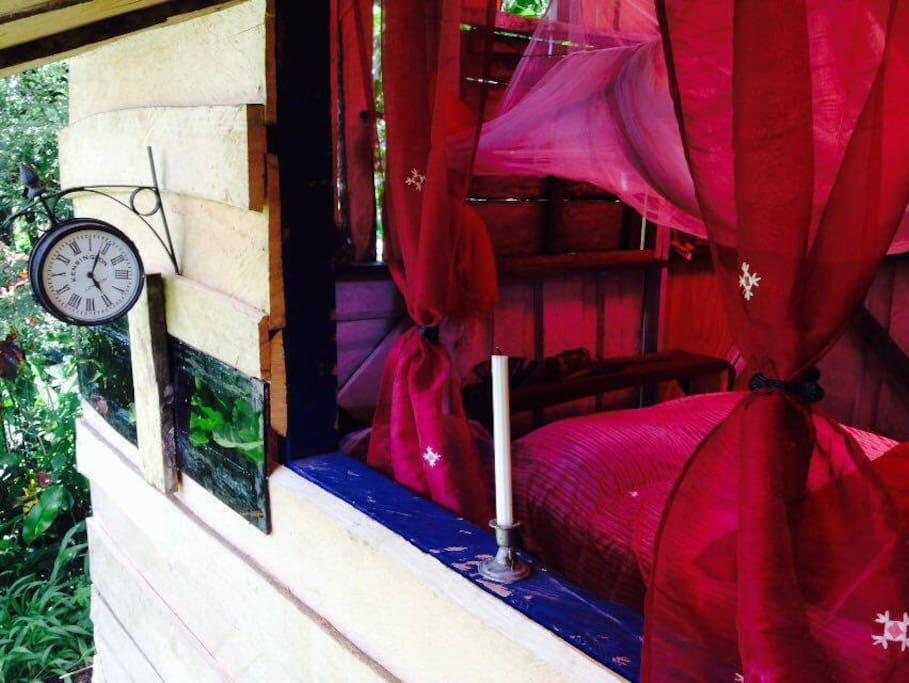 Romantic Bedroom - Chambre a l ambiance romantique !