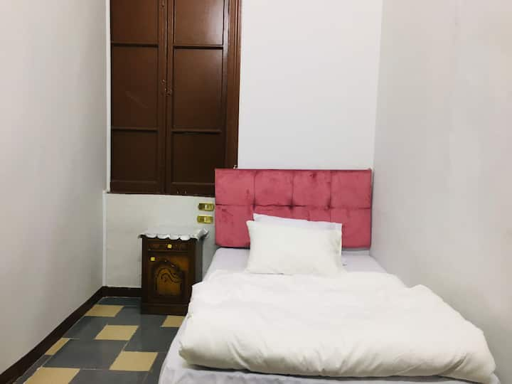 Cozy Private Single Room Downtown Cairo
