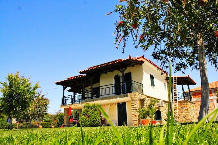 Butrinti - Foinikounta - Huis