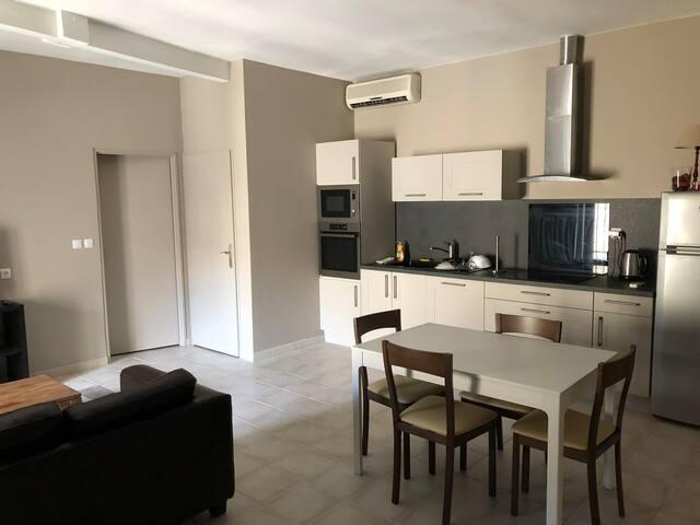 Appartement entièrement rénové au calme