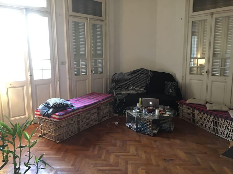 Livingroom / work space / AC