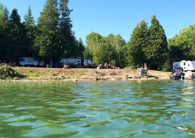 Fabulous Island getaway for families, large groups - Wikwemikong - Bobil