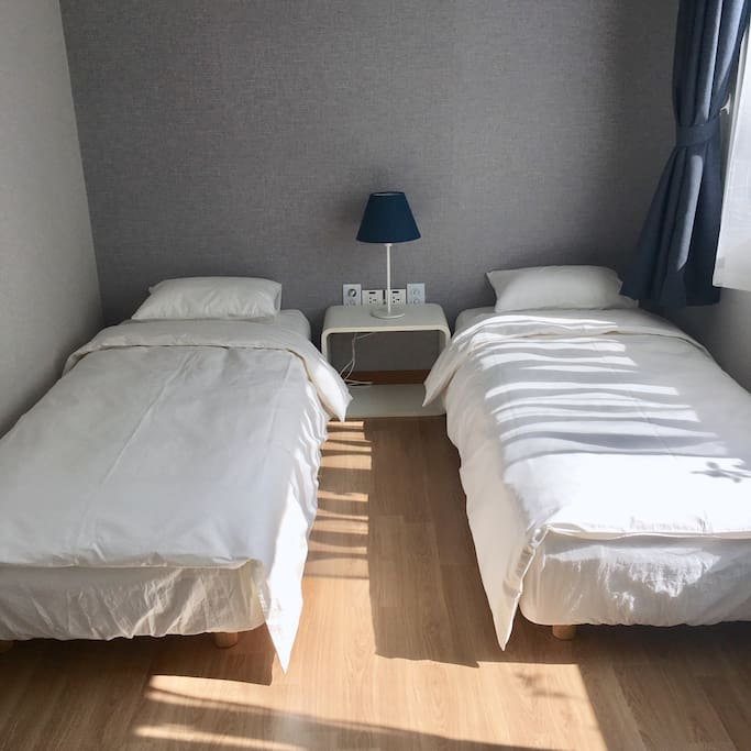 single bed × 2