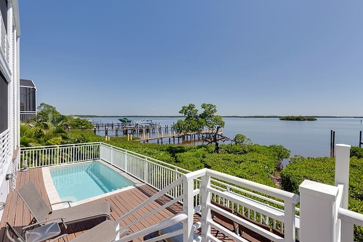 Bay Front Flamingo Harbour Villa - Fort Myers Beach - House