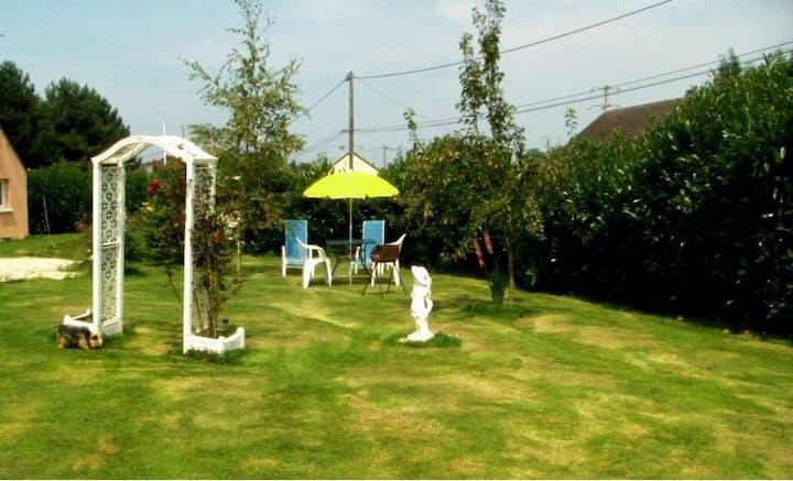 Studio avec jardin  à 3km de la mer/plages