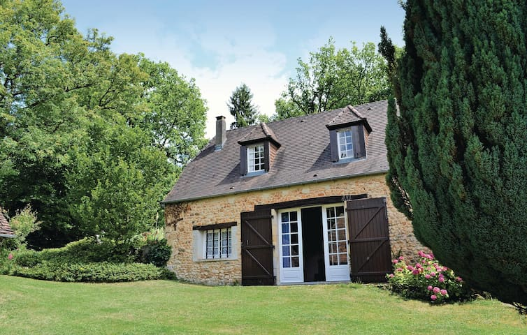 Holiday cottage with 2 bedrooms on 196 m²