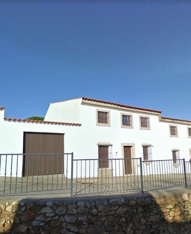 Casa con vistas al monte - Malcocinado - Haus