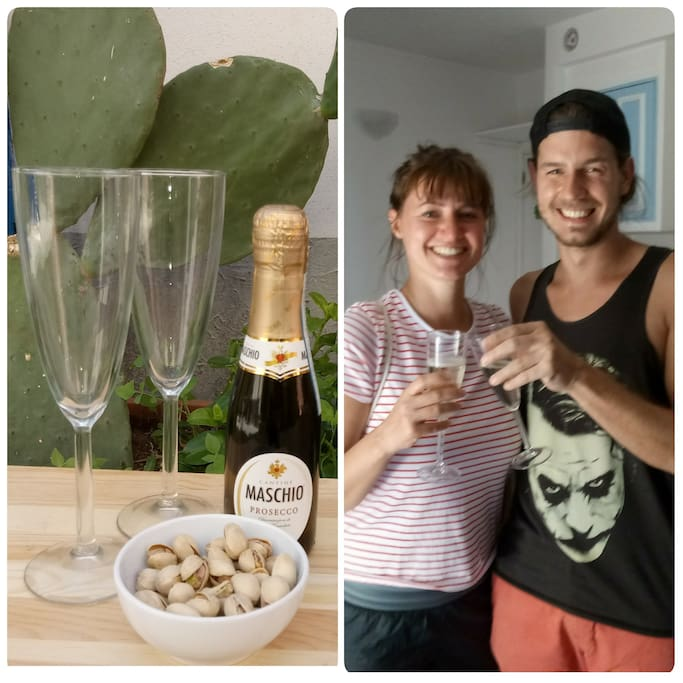 Welcome Drink with Italian Prosecco and Pistachios