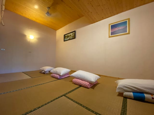 Xiluo house, Japanese style bedroom
