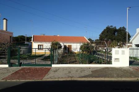 Moradia T2 (Norte) a 3km da Praia - Santiago do Cacém