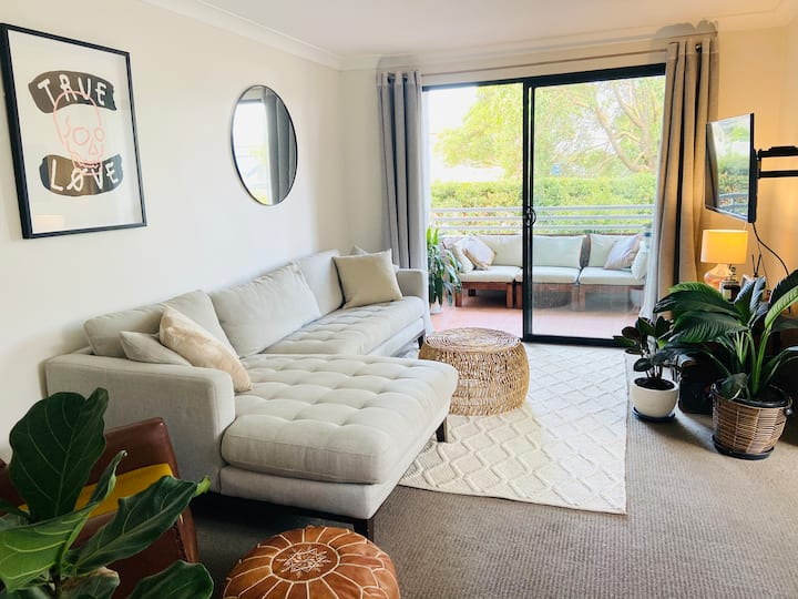 Spacious and bright apartment in Manly Vale