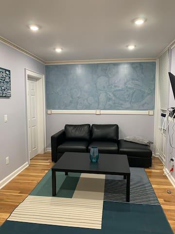 Elegant 2 bedroom apartment minutes from Manhattan