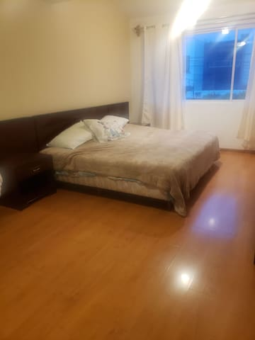 Cuarto 2 personas, King Size ,WC independiente, TV