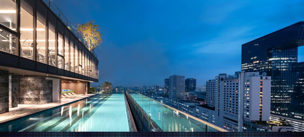 New Modern 1 Bedroom near MRT RAMA 9