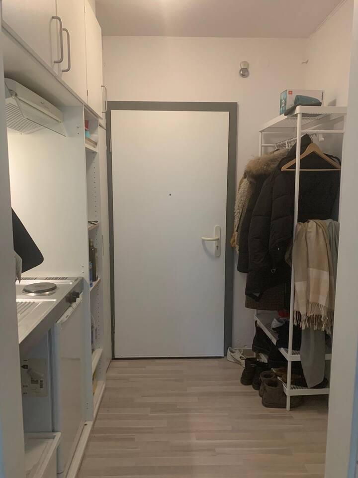 Ruhige Souterrain-Wohnung mit Terrasse in Mannheim