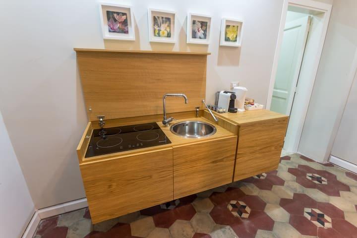 Il mobile cucina aperto