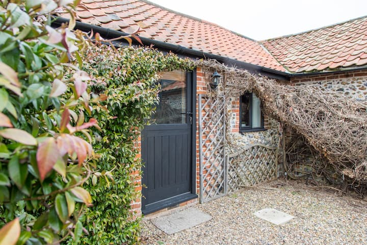 2 Bed Barn Holiday Cottage