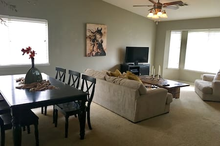 Central Valley Family Home - Visalia