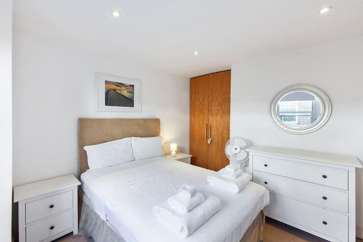 Bedroom 1  w/ double bed
