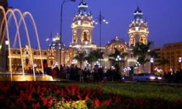 Main Square (Plaza de Armas/Plaza Mayor)