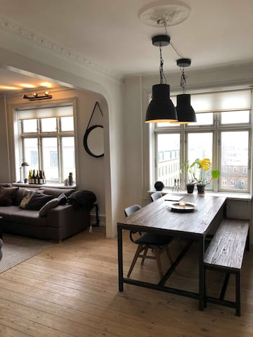 Spacious and Charming two-bedroom apartment